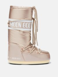 icon-pillow-rose-gold-boots